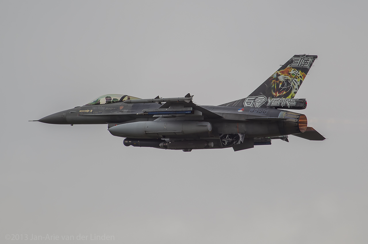 F16-Tail-art ©2013 Jan-Arie van der Linden all rights reserved.