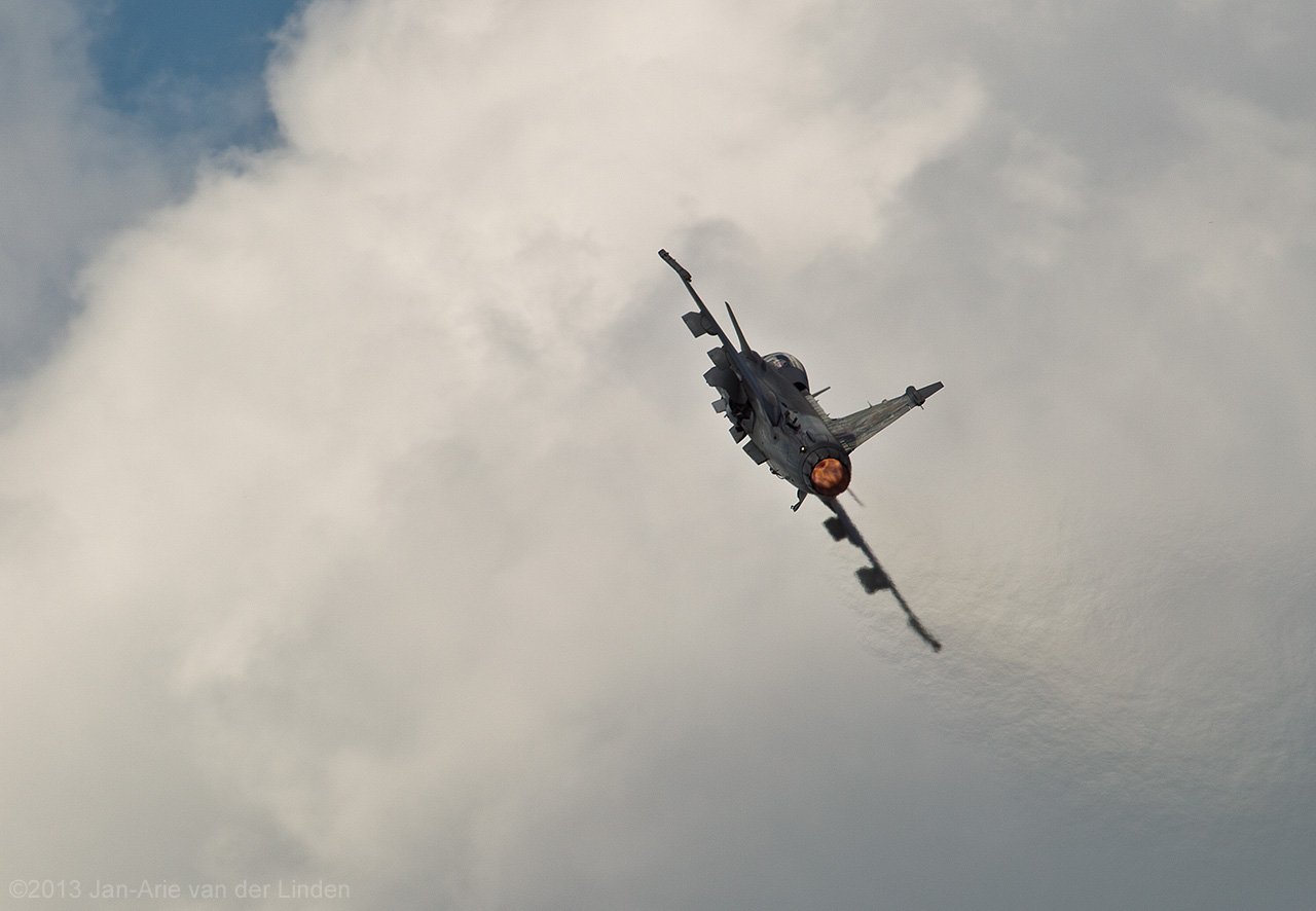 JAS 39 Grippen Chech airforce  ©2013 Jan-Arie van der Linden all rights reserved.